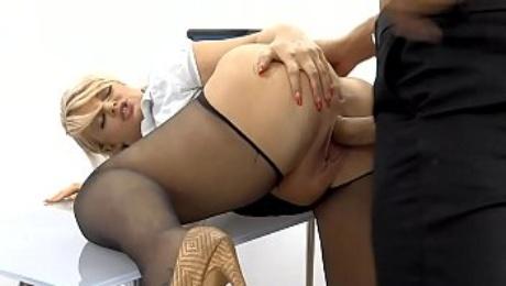 Milf secretary slut Bonnie Rose is fucked balls deep by big cock stud in the office