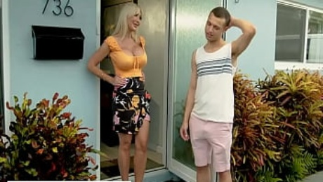 Naughty America - Sexy MILF Victoria Lobov loves young cock