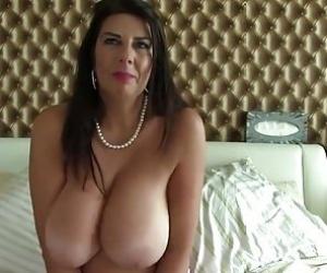Cougar Mom Tube
