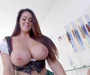 Big Natural Tits Mom Tube